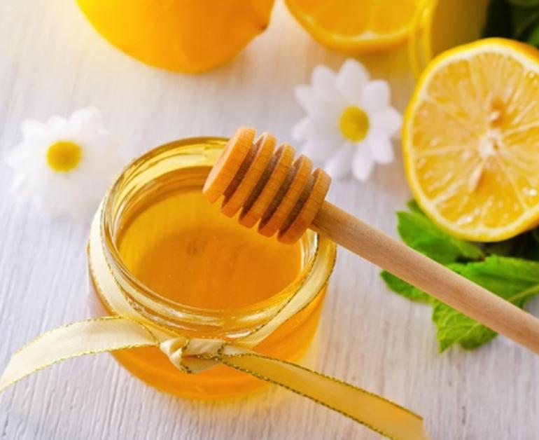 Xóa mờ vết thâm với mặt nạ chanh mật ong