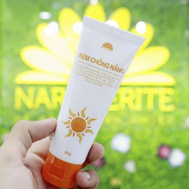 Kem chống nắng cho mẹ bầu Narguerite SPF 50 PA++ với các dưỡng chất tự nhiên phù hợp hầu hết với mọi loại da ngay cả với da nhạy cảm