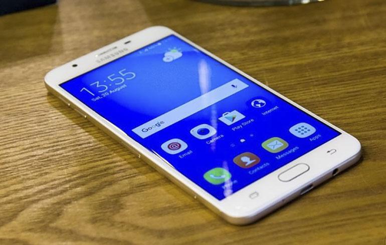 Samsung Galaxy J7 Prime giá rẻ cho chất lượng tốt nhờ cấu hình ổn so với tầm giá, không những thế nó còn có thiết kế sang trọng hiện đại tạo cảm giác hiện đại và bắt mắt