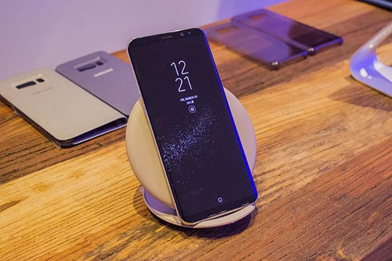 """TOP 3 smartphone Samsung giá """" kịch sàn"""" đáng mua nhất trong năm 2018"""